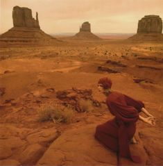 Monument Valley, Utah photo by Norman Parkinson, Jan Ward in a Jean Muir dress
