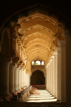 Thirumalai naicker palace is a 17th century erected in 1636 AD by king Thirumalai Nayak,a king of Madurai's Nayaka dynasty who ruled Madurai from 1623- 1659 in the city of madurai ,Tamilnadu,India.  #MyStateWithJaypore