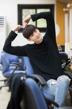Lee jong suk W Two worlds drama ❤❤ Park Seo Joon, Seo Kang Joon, Lee Joon, Lee Jong Suk Hot, Lee Jung Suk, Korean Men, Korean Actors, Korean People, Asian Actors