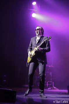 Joe Bonamassa - December 5, 2011 at The Orpheum Theatre in Phoenix, AZ