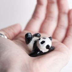Le Unbreakable Panda Totem - Muses Collection by Laura Johnston of le animale. So much detail in this tiny guy!