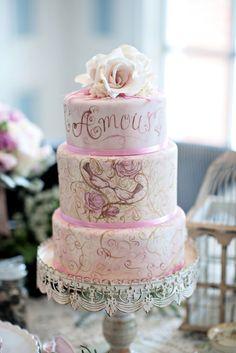 Hand painted wedding cake / Kristen Weaver Photography