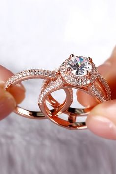 Ring trends change every year. Look at the gallery with the 66 best engagement rings photos. Only hottest engagement ring trends! Most Popular Engagement Rings, Gold Engagement Rings, Oval Engagement, Wedding Engagement, Wedding Rings Simple, Wedding Rings Vintage, Wedding Set, Wedding Bride, Princess Wedding