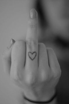 Finger Tattoos Designs, Types, Meanings & Aftercare Tips - Wild Tattoo Art Calin Couple, Middle Finger Tattoos, Finger Heart, Wild Tattoo, Tattoo Art, Tattoo Fonts, Neue Tattoos, First Finger, Favorite Words