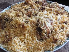 Kabsa Laham How to make kabsa saudi arabian inspiration sun cuisine Kabsa Recipe, Biryani Recipe, Middle East Food, Middle Eastern Recipes, Arabic Rice Recipe, Indian Food Recipes, Asian Recipes, Arabic Recipes, Indian Foods