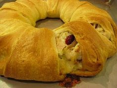 Turkey cranberry wreath for Thanksgiving leftovers