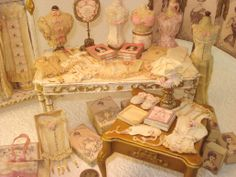 Heirlooms by Susan  I love Susan's work! It influences a lot of my miniatures crafting