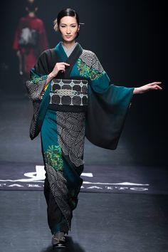 2015-16 A/W by 斉藤上太郎/Jotaro Saito Yukata Kimono, Boho Kimono, Kimono Fabric, Kimono Dress, Kimono Fashion, Harajuku Fashion, Japan Fashion, Textiles, Costumes Japan