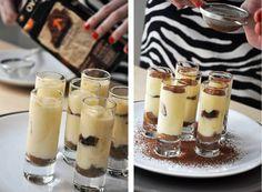 Tiramisu – Kitchen story Kitchen Stories, Tiramisu, Panna Cotta, Food And Drink, Pudding, Ethnic Recipes, Desserts, Mascarpone, Tailgate Desserts