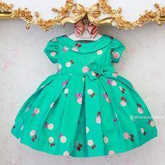 ⠀ Imagina sua princesa nesse lindo vestido?! Um doce de delicadeza.  Consulte tamanho e disponibilidade com uma de nossas atendentes (via WhatsApp)! ⠀ VENDAS/INFOS.:  (62) 98101-2323 :: Maria  (62) 99639-2888 :: Naty  (62) 98208-2296 :: Bia  (62) 3996-0020 :: Loja ⠀ ⏰ Atendimento via WhatsApp de segunda a sexta das 9:00 às 18:00 horas.  Entregamos para o mundo todo! ✈️ #AmorecoInfantil