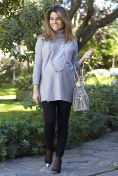 Fashion and Style Blog / Blog de Moda . Post: Look del Martes / Tuesday Look    .More pictures on/ Más fotos en : http://www.ohmylooks.com .Llevo/I wear:  Leggings : H&M premamá ; Jersey : Sfera ; Necklace / Collar ; Fahoma (old) ; Bag / Bolso : Loewe ; Shoes / Zapatos : Pilar Burgos