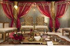 Get married in royal way! Choose the best mandap for your 'pheras' to make it a memory of lifetime.