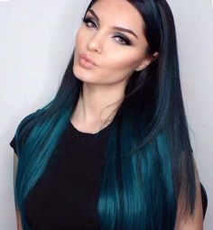 50 Gorgeous Turquoise Hair Color Ideas in Changing your hair color is one of the easiest way when work comes to change your look. turquoise hair color become quite popular among all these bori. Turquoise Hair Color, Hair Color Blue, Cool Hair Color, White Blonde Hair, Dark Hair, Pelo Color Azul, Ombre Hair, Balayage Hair, Haircolor