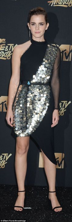 441aaa94696 Emma Watson wins first  gender free  category at MTV Awards