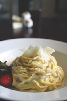Cauliflower Alfredo sauce on spaghetti squash