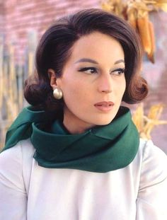 Silvana Mangano Old Hollywood Glamour, Hollywood Stars, Old School Movies, Beautiful Dolls, Beautiful Women, Italian Beauty, Italian Style, Italian Actress, Retro Hairstyles
