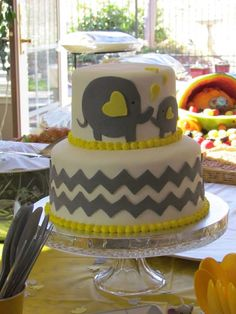 Baby shower elephant cake