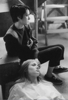 Still of Winona Ryder and Angelina Jolie in Girl, Interrupted.- androgynous for short life of trouble.