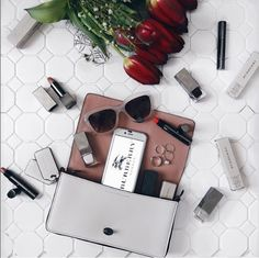 Via@styled_by_seven  #FACEit #COLORit #silver #phonecase #iphone #style #styleinspo #blogger #fashion #fashionblogger #flatlay # whatsinmybag #makeup #minimalism #minimalistic