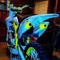 Blue and Green real cool Dirt Scooter, Dirt Bike Gear, Motorcycle Dirt Bike, Dirt Biking, Motorcycle Quotes, Yamaha Motocross, Custom Sport Bikes, Enduro, Street Bikes
