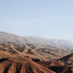 Ja ja, de bergen van Ait Sedrate 🙌🏻 #aitsedrate #ouarzazate #morocco #travel #mountains #photooftheday #nature #view #tamlalt #dades #travelphotography #naturephotography #alwayshashtagsphotography #joke