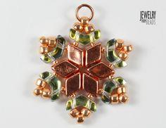 Christmas snowflake made from Arrow, Daimonduo and TOHO beads Christmas Snowflakes, Christmas Ornaments, Beading Ideas, Ear Rings, Bead Earrings, Beadwork, Arrow, Twin, How To Look Better