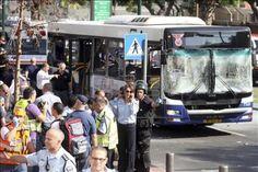 Explosão em ônibus em Tel Aviv deixa sete feridos, três de forma grave | Uma explosão nesta quarta-feira em um ônibus de Tel Aviv causou pelo menos sete feridos, três deles graves, disseram à Agência Efe fontes da Estrela de Davi Vermelha. http://mmanchete.blogspot.com.br/2012/11/explosao-em-onibus-em-tel-aviv-deixa.html