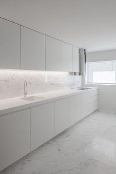 ideas for modern kitchen cabinets - Küche Design Your Kitchen, Kitchen Cabinet Design, Interior Design Kitchen, Modern Kitchen Cabinets, Kitchen Modern, Modern Farmhouse, Kitchen Counters, Kitchen Backsplash, Kitchen Appliances