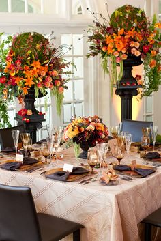 Inviting Sanctuary Partyscape at Ravisloe Country Club / Fall Wedding Inspiration / Wedding Guide Chicago
