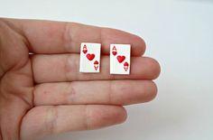 As de corazones pendientes tarjeta linda pequeña