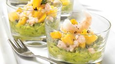 Be tempted by this easy Shrimp and mango salsa over guacamole recipe Shot Glass Appetizers, Prawn Cocktail, Mango Recipes, Mango Salsa, Entrees, Good Food, Brunch, Food And Drink, Cooking Recipes