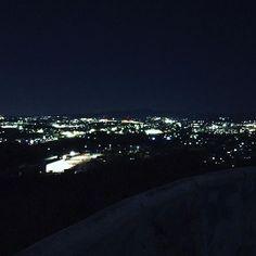 Instagram【saexo_xo】さんの写真をピンしています。 《この綺麗さ伝わらない 近場にしてはほんとに綺麗だった😂💓 行きたいって言ったら自分がバイト終わりであろうとすぐ連れてってくれるとこ最高の先輩だと思った😊 ほんとは猿投山まで連れてきたかったらしいけど…😂 またよろしくお願いします🤘🏻 #展望台 #夜景》