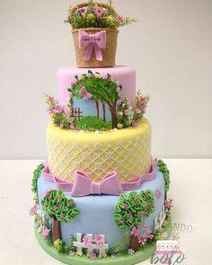 Beautiful garden themed cake - All For Garden Garden Theme Cake, Garden Cakes, Pretty Cakes, Cute Cakes, Beautiful Cakes, Fondant Cakes, Cupcake Cakes, Spring Cake, Baby Birthday Cakes