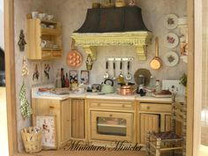 Miniature Dollhouse Kitchen RoomBox , Old Style, Fully Equipped , Set Scale 1:12 Z