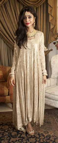 THIS WEEKS BEST DRESSED: 28th AUG.....Sabbiha Mansoor outfit