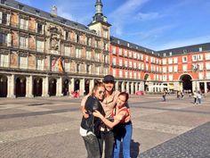 Qué gusto encontrarte por Madrid Érika de la Rosa ! Se te quiere!