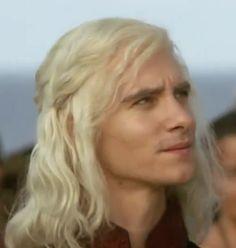 "Irresistible Harry Lloyd as ""Viserys"" Sir Arthur Dayne, Ramsey Bolton, Harry Lloyd, Emilia Clarke Daenerys Targaryen, Children Of The Forest, Game Of Thrones 1, Petyr Baelish, Got Characters, Katheryn Winnick"