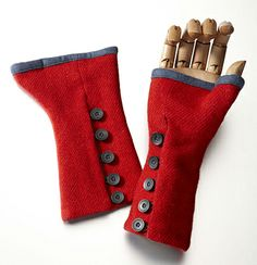 Fingerless Gloves. Love the fabric and buttons. Maybe in a different color though.