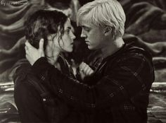 Day # Favourite Ship (Ex: Ron & Hermione, Harry & Ginny etc) Dramione Harry Potter Hermione, Mundo Harry Potter, Images Harry Potter, Ron And Hermione, Harry Potter Ships, Harry Potter Love, Harry Potter Fandom, Harry Potter World, Harry Potter Memes