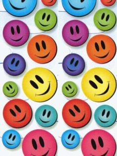 """their like """"hey hows a go'in i'm being a face! well i'm pink"""" then like """"pink sucks"""" and then like """"I know *depression*"""" Smileys, Smiley Happy, Child Smile, Free Ringtones, Always Smile, I Love To Laugh, Smile Quotes, Over The Rainbow, Smile Face"""
