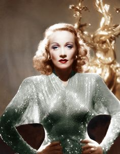 Marlene Dietrich Old Hollywood Stars, Hooray For Hollywood, Old Hollywood Glamour, Golden Age Of Hollywood, Vintage Glamour, Vintage Beauty, Classic Hollywood, Vintage Fashion, Hollywood Divas