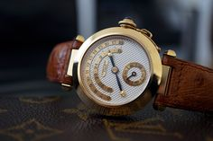 VISUAL COMPLICATIONS FROM THE PAST: CARTIER PASHA DAY & NIGHT