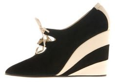 The Shoe Edit: Salvatore Ferragamo Vintage Collection Top Shoes, Wedge Shoes, Me Too Shoes, Shoes Heels, Italian Fashion, Timeless Fashion, Vintage Fashion, Shoe Shoe, Shoe Boots