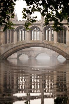 Bridge of Sighs Cambridge University, England
