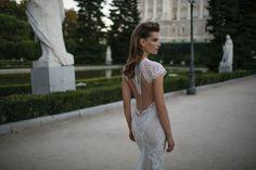 Suknie ślubne z dekoltem na plecach - najpiękniejsze modele 2016 - SlubNaGlowie.pl