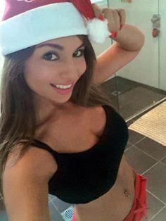 hot chick selfie
