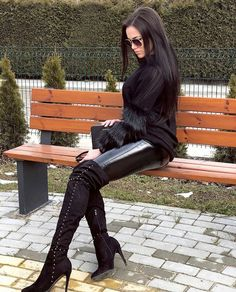 Sexy boots, heeled boots и leather boots. Thigh High Boots, High Heel Boots, Heeled Boots, Knee Boots, Over The Knee Boot Outfit, Women's Fashion Leggings, Shiny Leggings, Hot High Heels, Sexy Boots