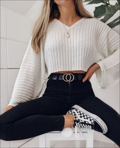 Get the school clothes you need to wear now- Hol dir die Schulkleidung, die du jetzt anziehen musst Outfits for going out you : Get the school clothes you need to wear now- Hol dir die Schulkleidung, die du jetzt anziehen musst Outfits for going out you - Fall Outfits For School, Trendy Fall Outfits, Winter Fashion Outfits, Girly Outfits, Look Fashion, Fashion Clothes, Stylish Outfits, Outfit Winter, Autumn Outfits