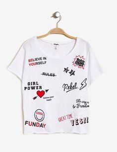 Tee-shirt mix d'imprimés écru, noir et rouge - http://www.jennyfer.com/fr-fr/vetements/tops-et-tee-shirts/tee-shirt-mix-d-imprimes-ecru-noir-et-rouge-10010908255.html