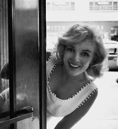 the one and only ★ Marilyn Monroe ♡ Old Hollywood ★ Joe Dimaggio, Classic Hollywood, Old Hollywood, Hollywood Glamour, Hollywood Stars, Arte Marilyn Monroe, Divas, Viejo Hollywood, Photos Rares